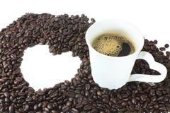 Καφές καρδιών με το φλυτζάνι καφέ Στοκ φωτογραφία με δικαίωμα ελεύθερης χρήσης