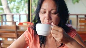 Καφές κατανάλωσης γυναικών το πρωί