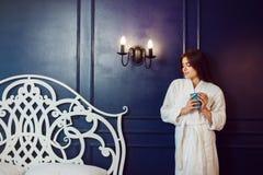 Καφές κρεβατοκάμαρων πρωινού Στοκ εικόνα με δικαίωμα ελεύθερης χρήσης