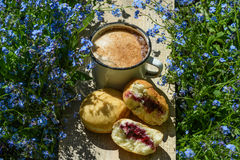Καφές με τα donuts Στοκ Εικόνες