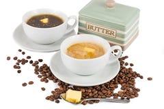 Καφές με το προστιθέμενο βούτυρο, ο Μαύρος και με το γάλα Στοκ φωτογραφία με δικαίωμα ελεύθερης χρήσης