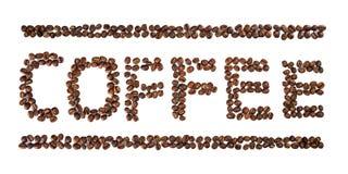 Καφές που γράφεται με τα φασόλια καφέ που απομονώνονται στο λευκό στοκ φωτογραφία
