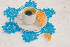 Καφές πρωινού με τις βάφλες Στοκ φωτογραφίες με δικαίωμα ελεύθερης χρήσης