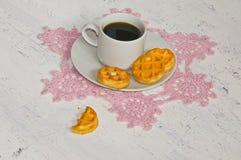 Καφές πρωινού με τις βάφλες Στοκ Φωτογραφία