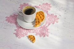 Καφές πρωινού με τις βάφλες Στοκ Φωτογραφίες