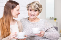 Καφές πρωινού στη θέση του grandma Στοκ φωτογραφία με δικαίωμα ελεύθερης χρήσης