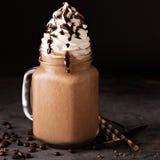 Καφές σοκολάτας frappe με την κτυπημένη κρέμα Στοκ φωτογραφίες με δικαίωμα ελεύθερης χρήσης