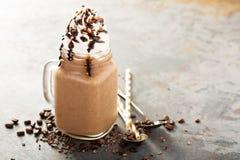 Καφές σοκολάτας frappe με την κτυπημένη κρέμα Στοκ φωτογραφία με δικαίωμα ελεύθερης χρήσης