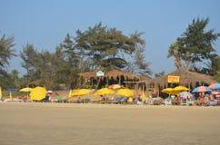 Καφές στην αμμώδη παραλία στοκ εικόνες
