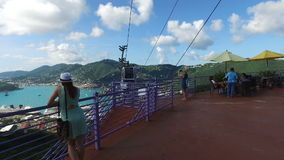 Καφές στην κορυφή του λόφου και του τελεφερίκ Άγιος Thomas, U S νησιά Virgin απόθεμα βίντεο