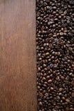 Καφές στην ξύλινη ανασκόπηση Στοκ φωτογραφίες με δικαίωμα ελεύθερης χρήσης