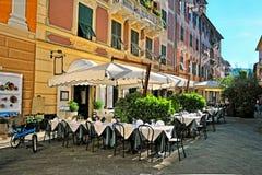 Καφές στην οδό της παλαιάς ιταλικής πόλης Στοκ Φωτογραφία
