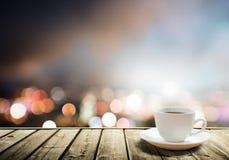 Καφές στον πίνακα στοκ φωτογραφία