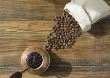Καφές στο cezve στοκ εικόνες
