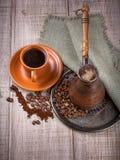 Καφές Τούρκος και φλιτζάνι του καφέ στοκ εικόνες