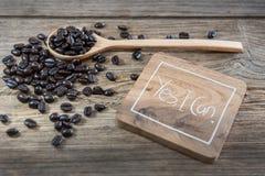 καφές φασολιών που ψήνεται στοκ εικόνες με δικαίωμα ελεύθερης χρήσης