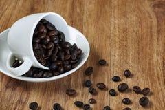 καφές φασολιών που ψήνετ&alpha Στοκ εικόνα με δικαίωμα ελεύθερης χρήσης