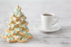Καφές Χριστουγέννων με το δέντρο μπισκότων μελοψωμάτων Στοκ Εικόνες