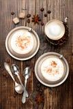 Καφές Cappuccino στα φλυτζάνια, τοπ άποψη Στοκ φωτογραφία με δικαίωμα ελεύθερης χρήσης