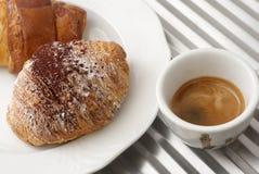καφές croissant Στοκ Φωτογραφίες
