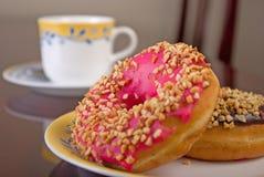 καφές donuts Στοκ φωτογραφία με δικαίωμα ελεύθερης χρήσης