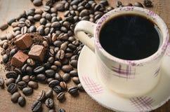Καφές espresso πρωινών και σφαίρα κοκοφοινίκων Στοκ φωτογραφίες με δικαίωμα ελεύθερης χρήσης