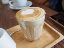 Καφές Piccolo latte, φλυτζάνι υπογραφών Ένα ristretto πυροβόλησε 15 †«20 Στοκ Εικόνες
