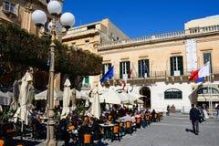 Καφέδες πεζοδρομίων, Valletta Στοκ φωτογραφία με δικαίωμα ελεύθερης χρήσης