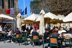 Καφέδες πεζοδρομίων, Valletta Στοκ Εικόνα