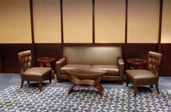 καφετής καναπές δέρματος Στοκ Εικόνα
