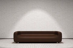 Καφετής καναπές δέρματος ελεύθερη απεικόνιση δικαιώματος