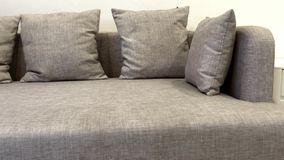 Καφετής καναπές καθιστικών πολυτέλειας υφάσματος φιλμ μικρού μήκους