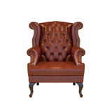 Καφετής κλασσικός καναπές καναπέδων πολυθρόνων ύφους στο εκλεκτής ποιότητας δωμάτιο στο whi Στοκ Εικόνα