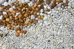 Καφετί και άσπρο αμμοχάλικο, υπόβαθρο φύσης στοκ εικόνες