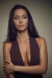 καφετί κορίτσι φορεμάτων brun Στοκ εικόνα με δικαίωμα ελεύθερης χρήσης