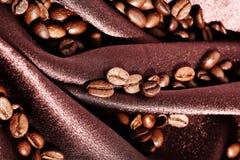 καφετί μετάξι καφέ φασολιώ& Στοκ Εικόνες