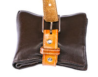 Καφετί πορτοφόλι με τη ζώνη δέρματος Στοκ φωτογραφία με δικαίωμα ελεύθερης χρήσης