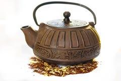 Καφετί ραβδωτό teapot χυτοσιδήρου Στοκ Εικόνες