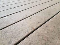 Καφετί σύνθετο ξύλο γεφυρών στοκ εικόνα με δικαίωμα ελεύθερης χρήσης