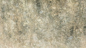 Καφετί τούβλο στον τοίχο τσιμέντου στοκ φωτογραφία