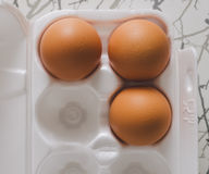 Καφετιά αυγά στον πίνακα Στοκ φωτογραφία με δικαίωμα ελεύθερης χρήσης
