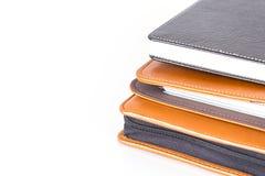 Καφετιά και μαύρα βιβλία ημερολογίων δέρματος στοκ εικόνες