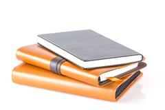 Καφετιά και μαύρα βιβλία ημερολογίων δέρματος στοκ φωτογραφία με δικαίωμα ελεύθερης χρήσης