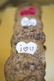 Μπισκότα τσιπ σοκολάτας για τους βαλεντίνους Στοκ Φωτογραφίες