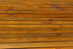 Καφετιά ξύλινη σύσταση των λεπτών πινάκων τοίχου Στοκ εικόνα με δικαίωμα ελεύθερης χρήσης