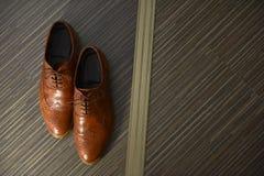 Καφετιά παπούτσια ατόμων δέρματος Στοκ φωτογραφίες με δικαίωμα ελεύθερης χρήσης