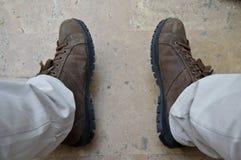 Καφετιά παπούτσια ατόμων Στοκ Εικόνες