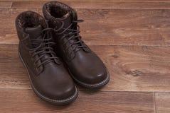 Καφετιά παπούτσια ατόμων ` s Στοκ Φωτογραφίες