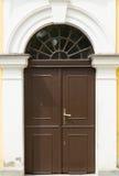 καφετιά πόρτα ξύλινη Στοκ Φωτογραφίες