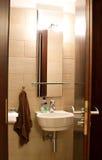 καφετιά τουαλέτα θέματο&sig Στοκ εικόνα με δικαίωμα ελεύθερης χρήσης